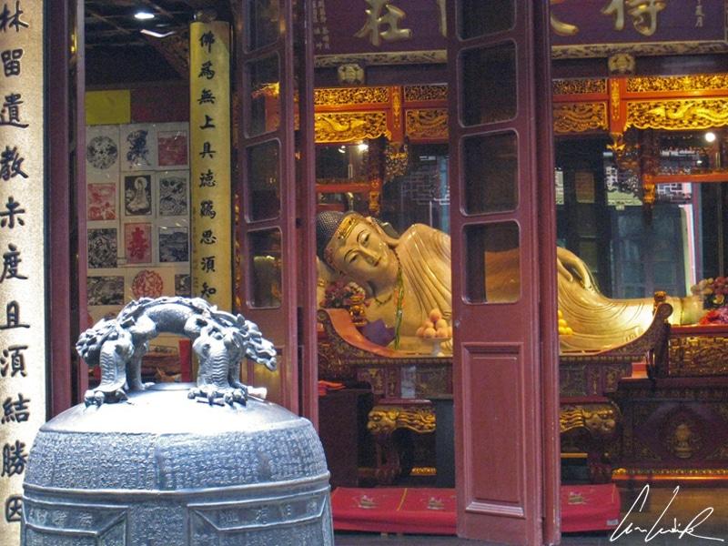 Temple Bouddha de Jade - Bouddha allongé