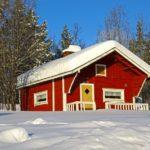 Une maison en bois rouge de Falun ou punamulta (terre rouge) en Finlande. Les maisons traditionnelles en bois sont très souvent peintes de cette couleur