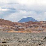 Le désert de l'Atacama est avant tout un désert minéral avec des étendues d'une infinie diversité. Le regard se perd sur ces reliefs complexes et colorés