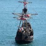 Madère - La réplique de la caravelle Santa María de Christophe Colomb rentrant au port de Funchal