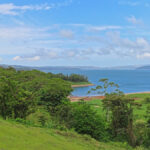 Le lac Arenal a été créé dans une caldeira volcanique, grâce à un barrage érigé dans les années 1970. Sa superficie est d'environ 85 km².